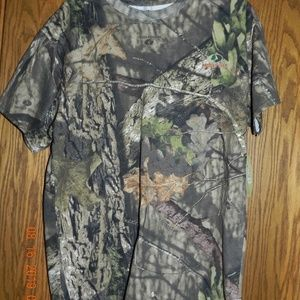 NWT Men's Mossy Oak Short Sleeved T Shirt
